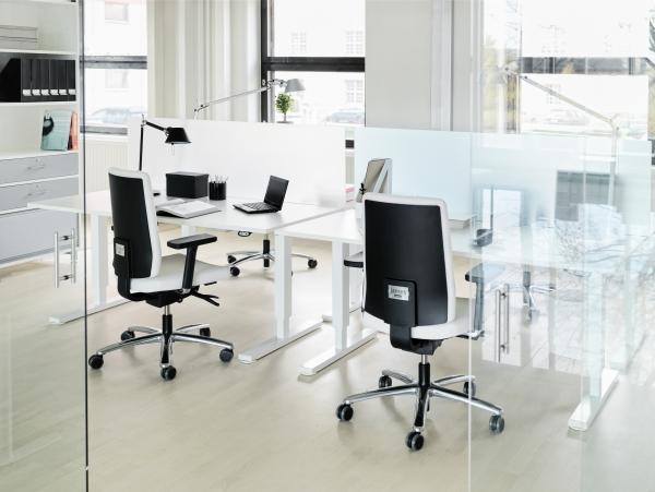 vita kontorsmöbler